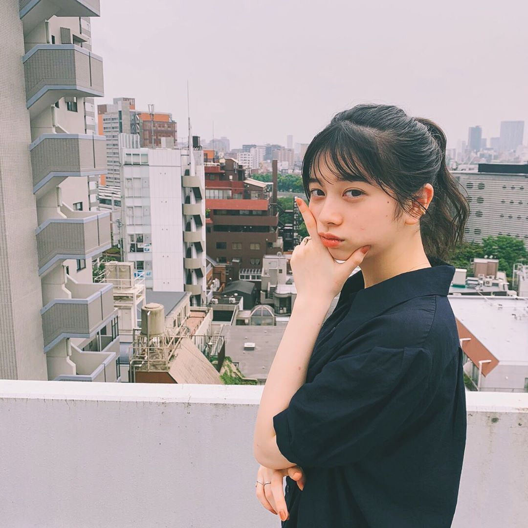 """桜田ひより on Instagram: """"サボテンを枯らしたことがある桜田です。 最近、再チャレンジしようと思っています、なにがいいかな〜☺︎"""""""