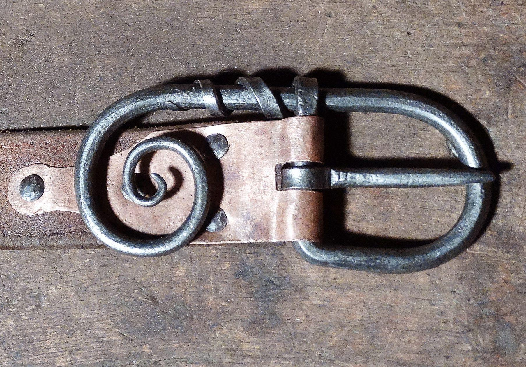 Couleurs variées Achat avant-garde de l'époque Boucle de ceinture. | ferronerie, archerie etc | Boucle de ...