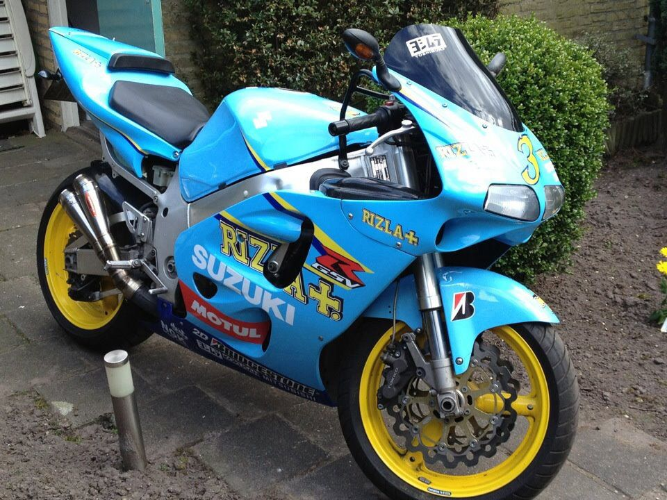 my bike! suzuki gsx-r 750 srad with a ducati 996 front and a