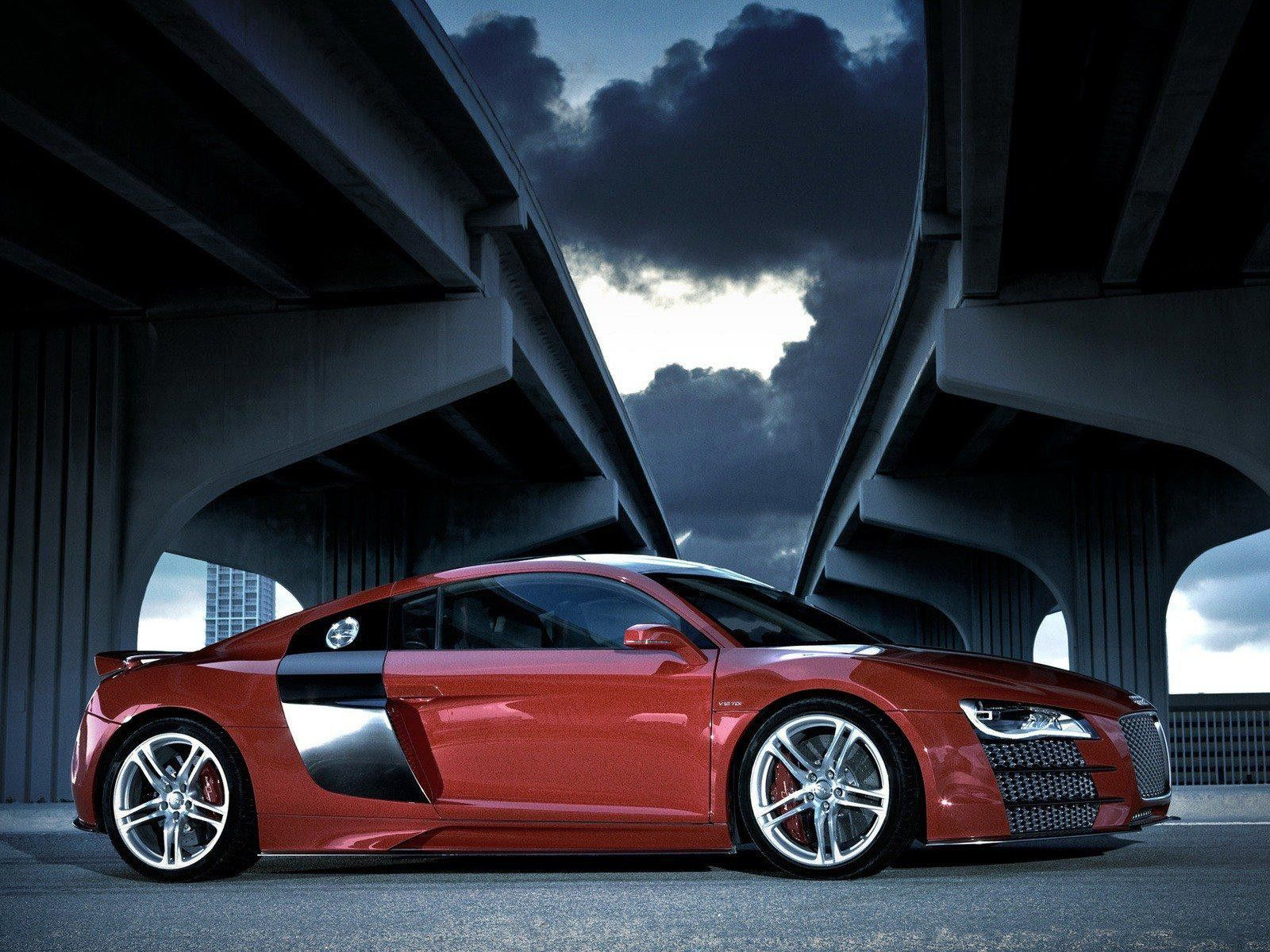 The new 2015 #Audi R8 isn't far away but this Audi R8 is also #luxurious  For more detail visit our website:http://www.audienginesandgearboxes.co.uk/engines/