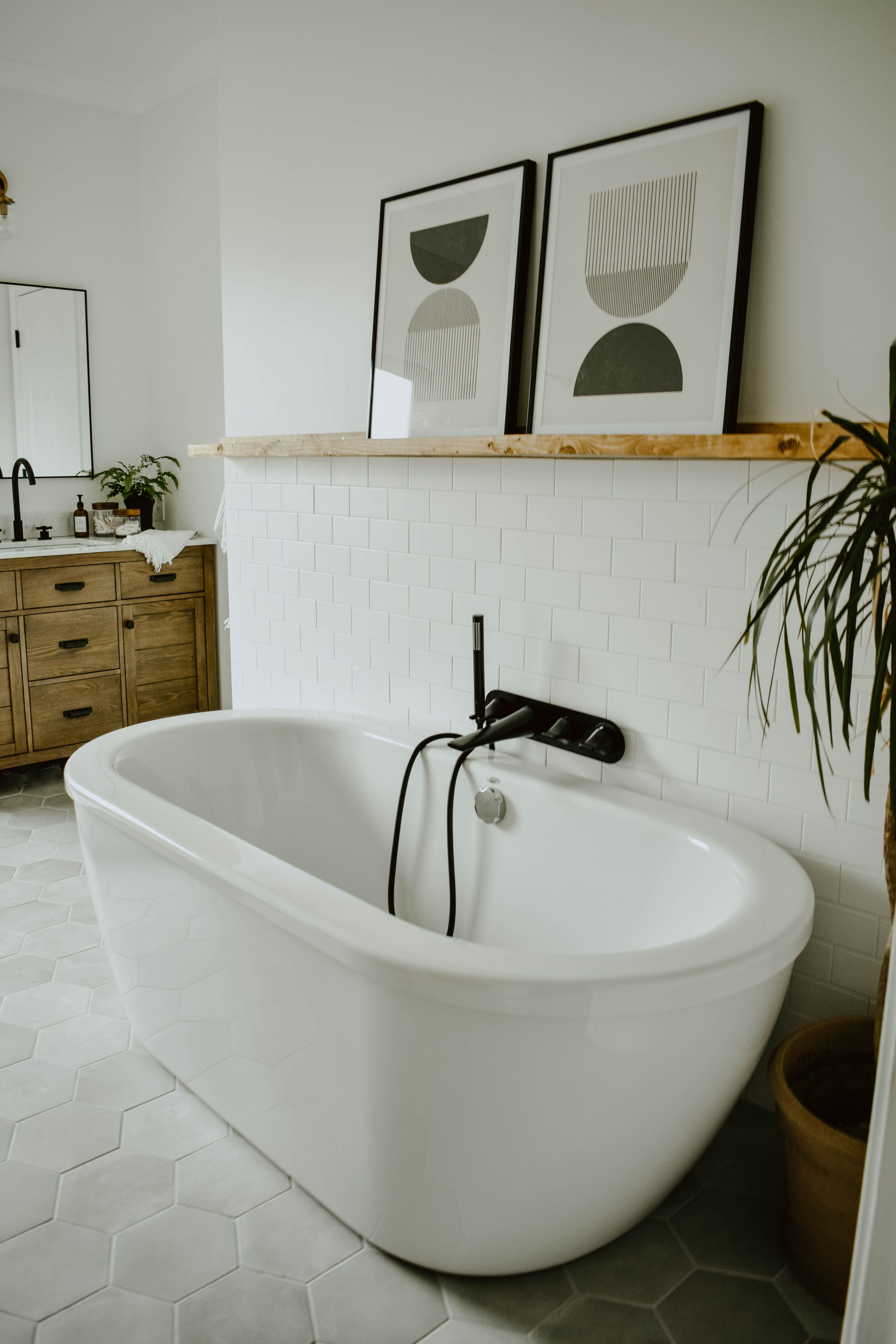 How To Choose The Best Bath Tub For Your Space With Images