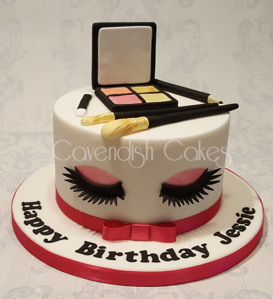 Makeup And Eyelashes Cake Cavendishcakes With Images Cupcake