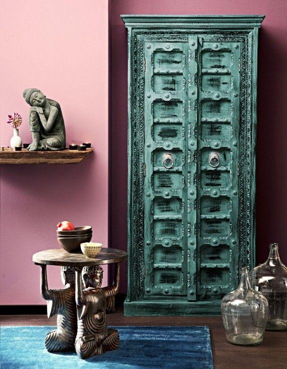 die indischen schr nke haben meist eine kr ftige farbe und viele verzierungen home homestory. Black Bedroom Furniture Sets. Home Design Ideas