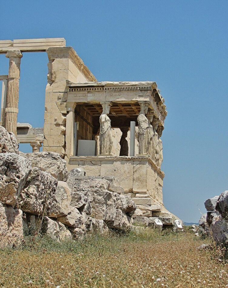 Tribuna De Las Cariatides En El Erection De La Acropolis De Atenas