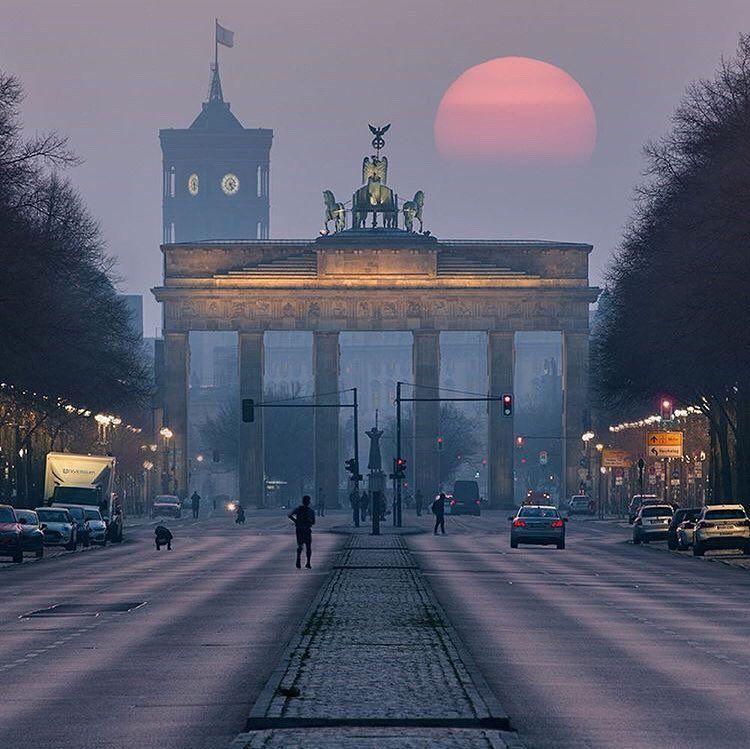 Official Instagram Of Berlin On Instagram Berlingram Patrick Noack Tor De In 2020 Berlin Germany Berlin Photography Germany