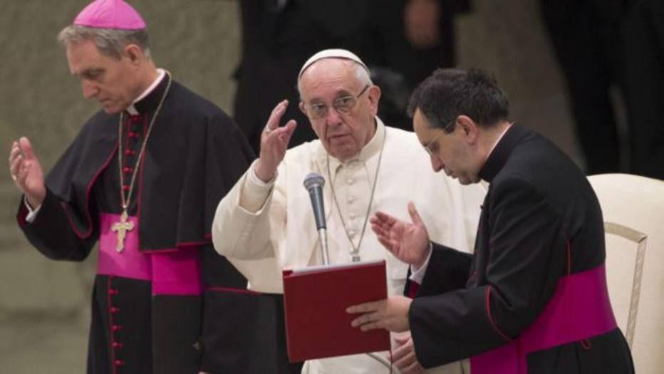 Papa Francisco pede orações por vítimas de acidente da Chapecoense #timbeta #sdv #betaajudabeta