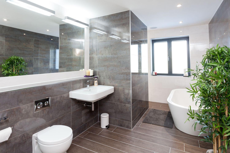 Superb Modern Family Bathroom Ideas Part - 13: Modern Family Bathroom