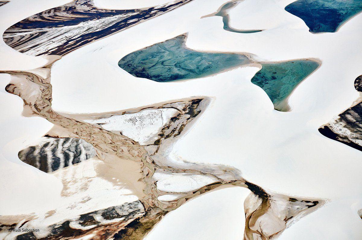 Lagos y dunas se entremezclan en el parque nacional Lençóis Maranhenses, norte de Brasil (Rudi Sebastian, 2016)