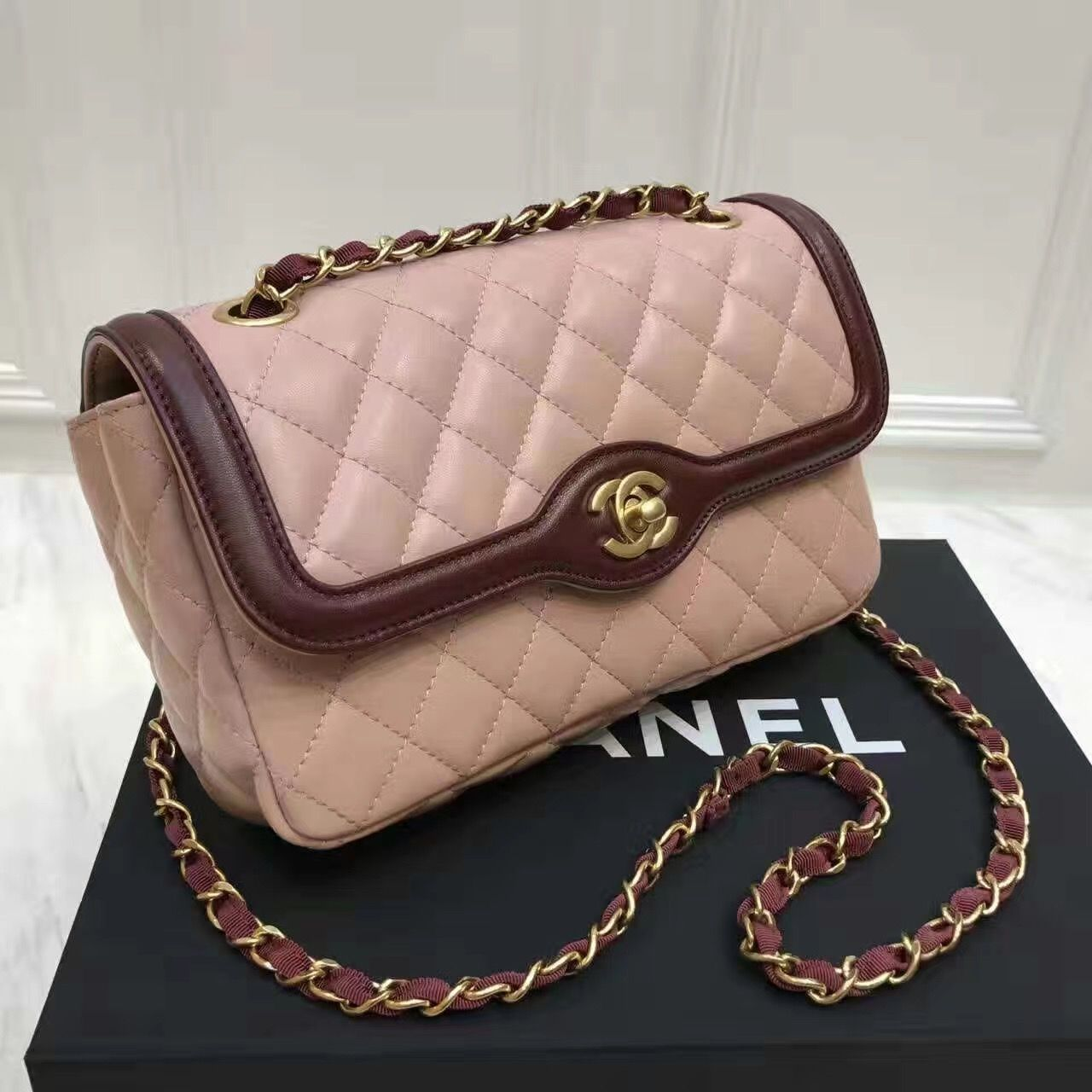 Replica chanel vernis classic flap bag