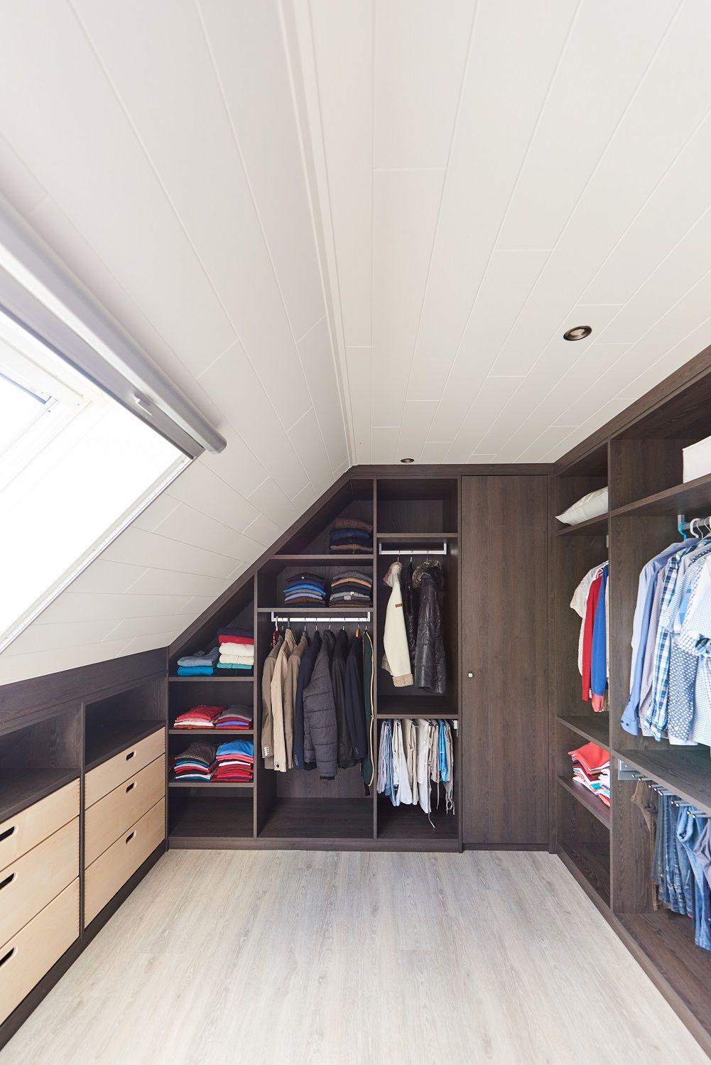 Een dressing op maat van Camber zorgt ervoor dat al je kleren en accessoires een opbergplek krijgen.