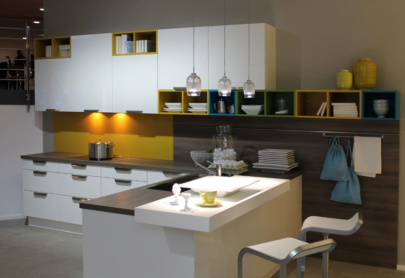 bunte Küchenregale von Häcker | küche | Pinterest