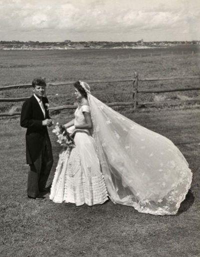 Boda John F Kennedy Y Jackie O Kennedy Wedding Dress Jackie Kennedy Wedding Iconic Weddings