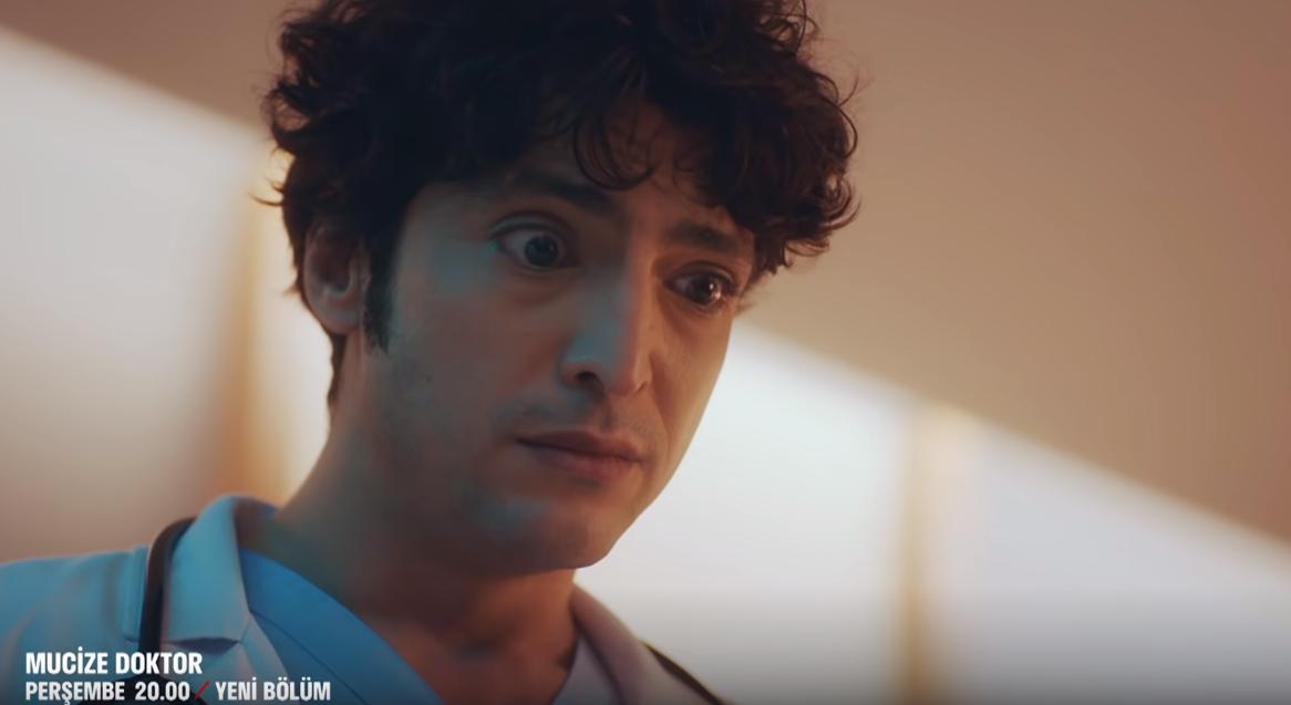 Nourane Adli Kullanicinin Gifler Panosundaki Pin 2020 Doktorlar Fenomenler Tv Dizileri