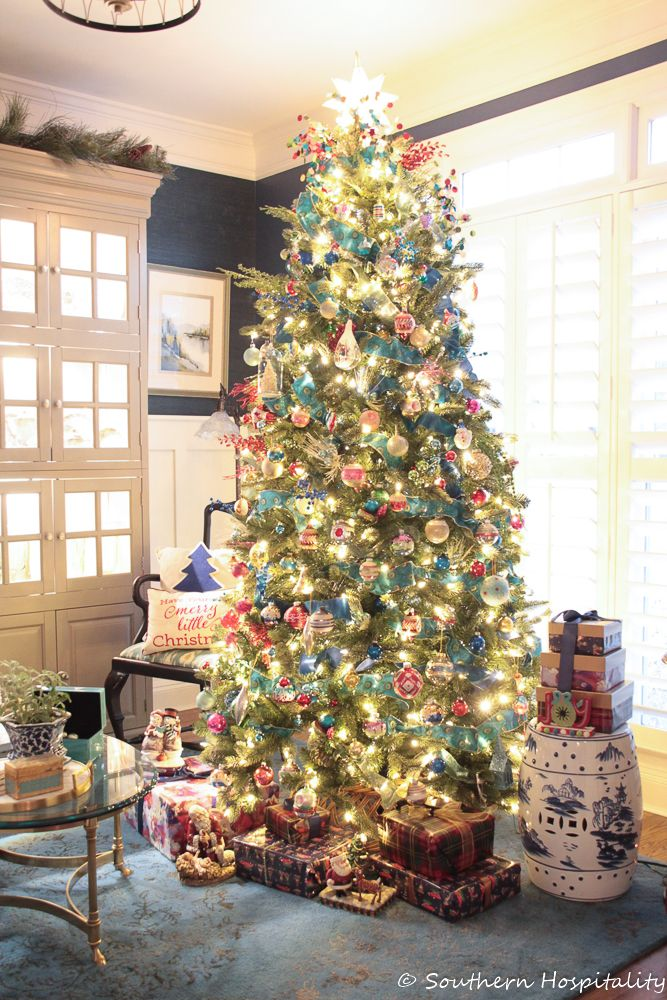 Colorful Christmas Tree and Kitchen Inspiration - Southern Hospitality