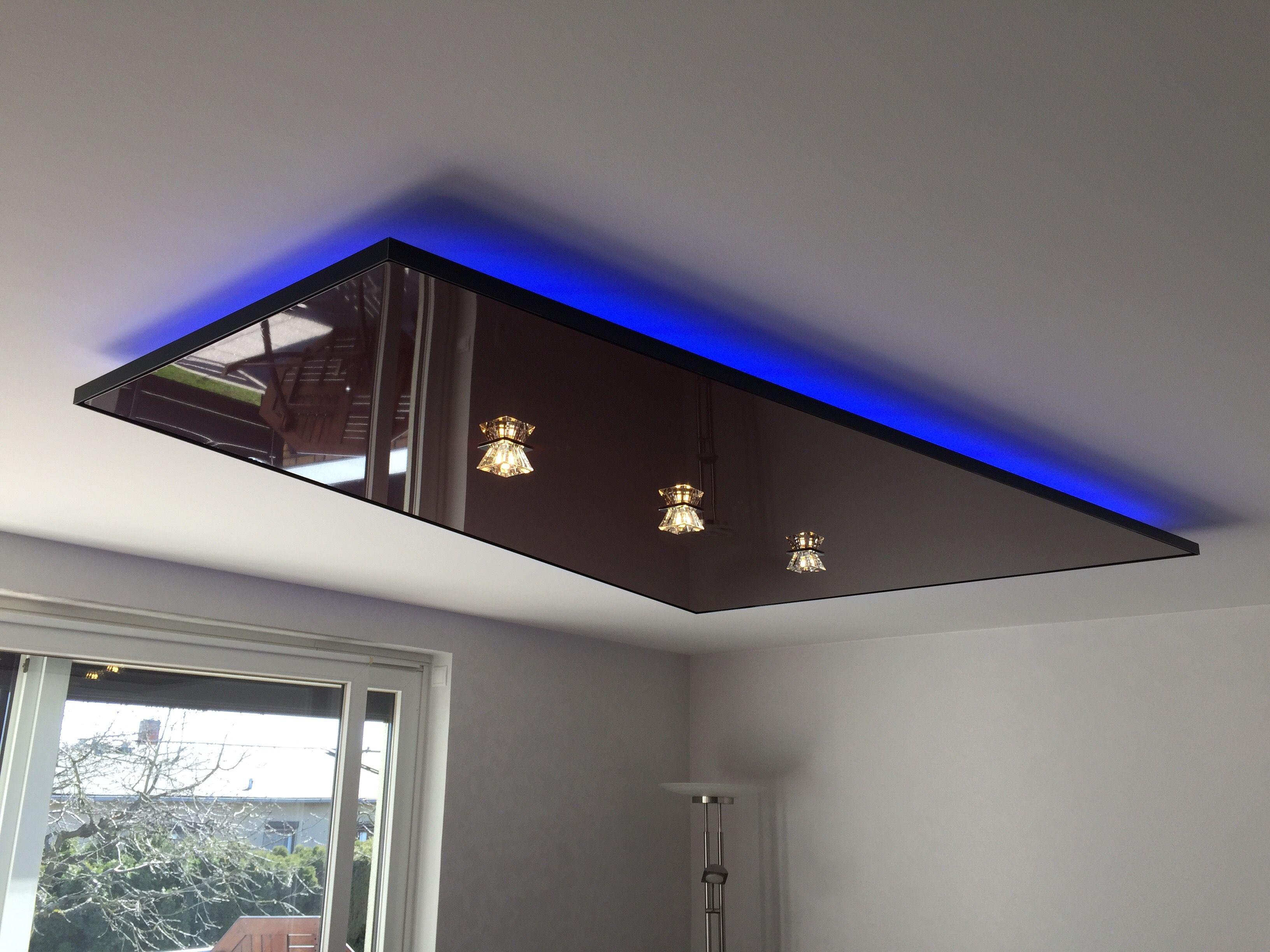 Spanndecke Deckensegel Mit Indirekter Rgb Beleuchtung Ceiling Lights Home Decor Decor