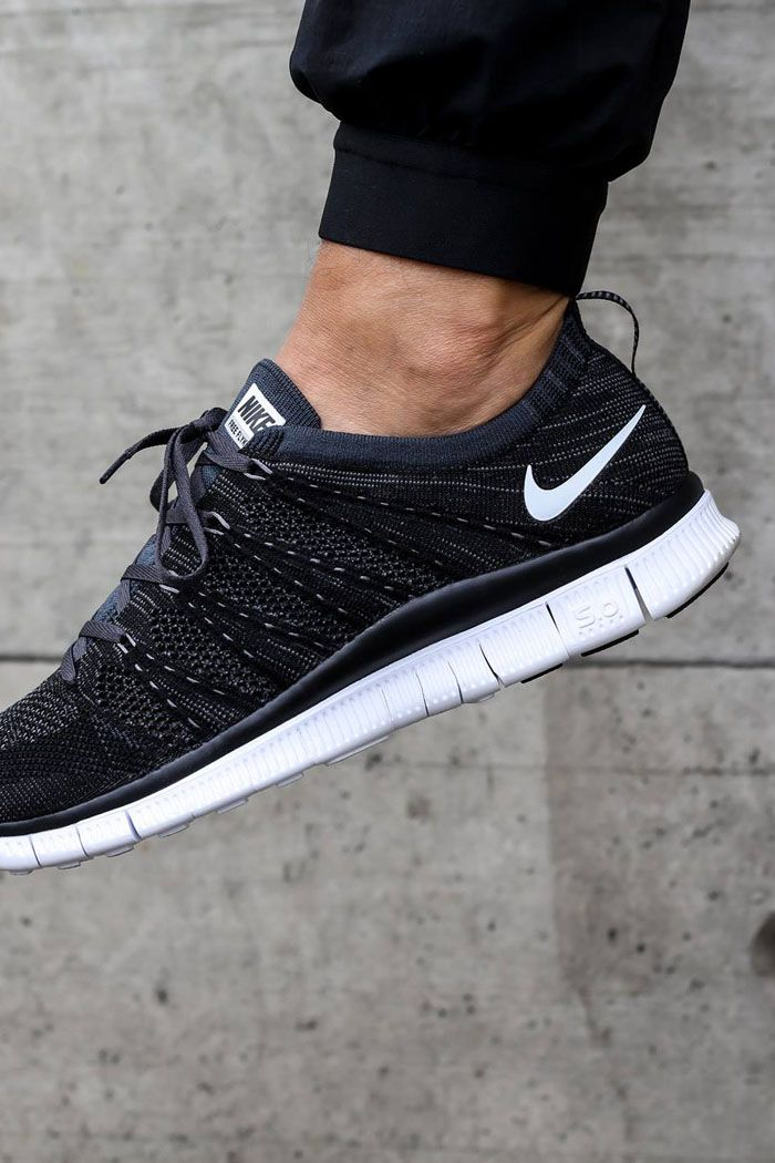 65765bebe604 Flyknit #nsw #black #sneakerfashion Black Nike Running Shoes, Nike Running  Clothes,