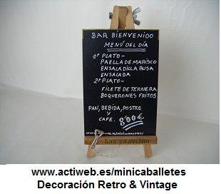 Mini-caballetes para empresas personalizadas según su negocio. Creado por Juan Antonio Vizcaíno.