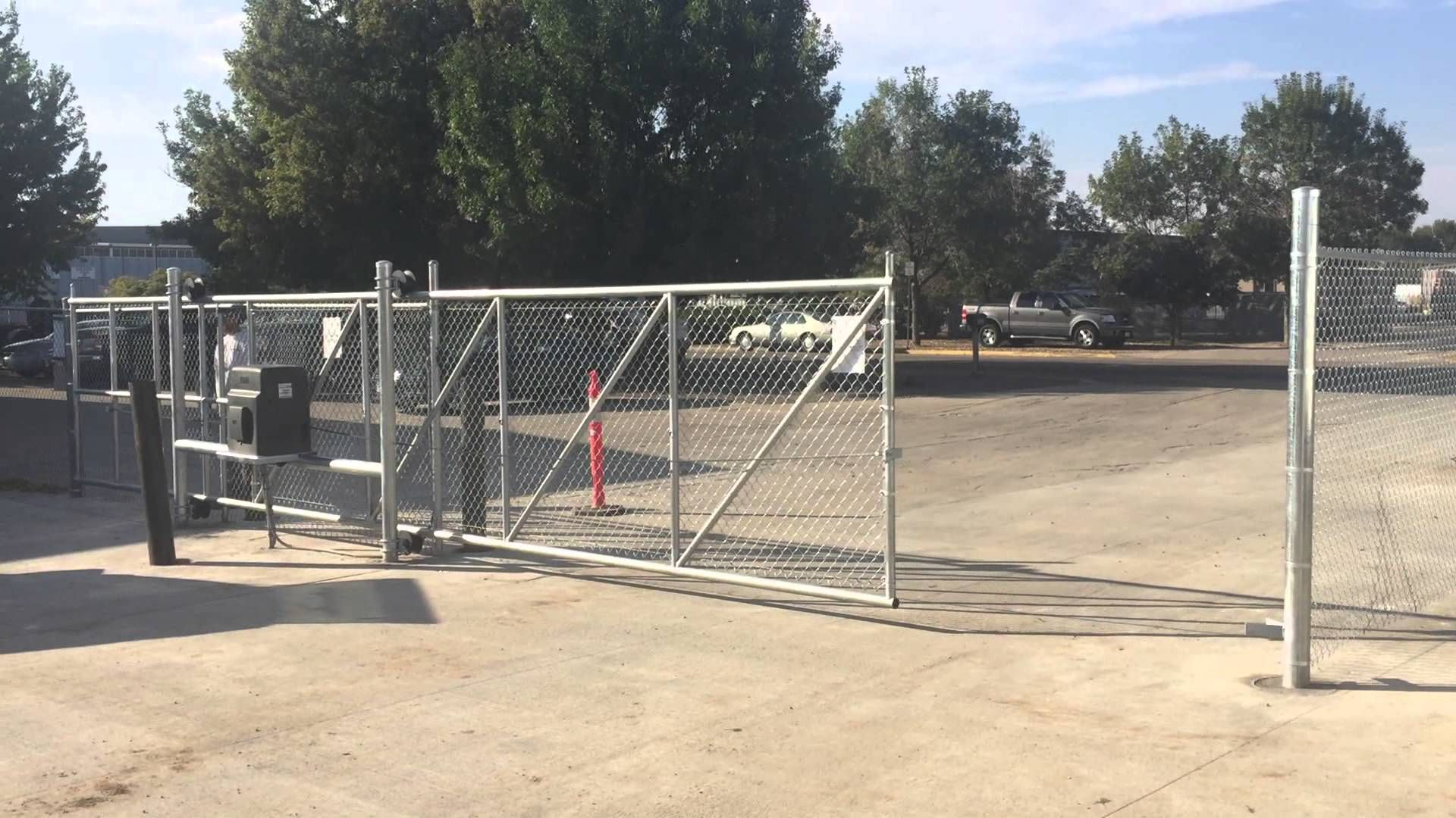 Chain Link Fence Sliding Gate Cantilever Slide And Design cancelli