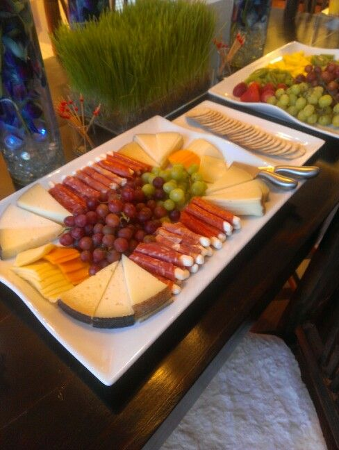 Pin By Foodie Chapina On Appetizers Entradas Food Snacks Cheese Platters