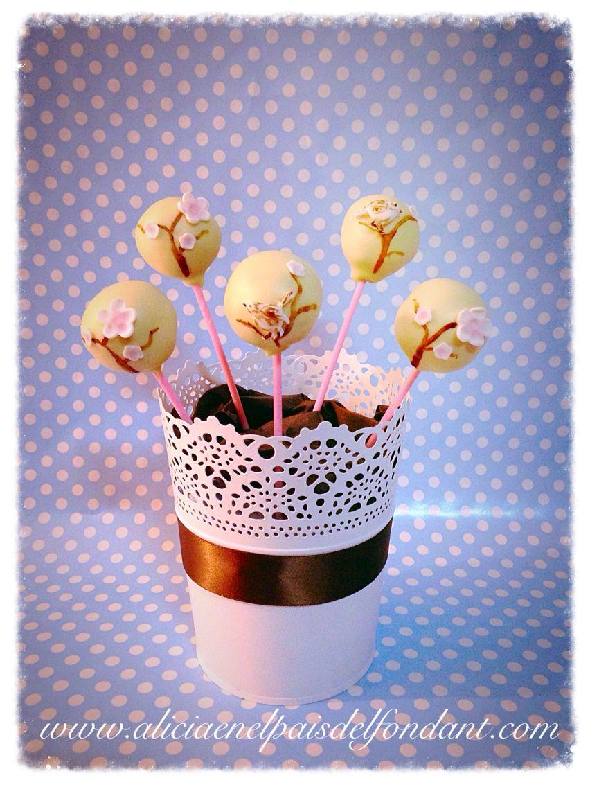 Cake pop florecillas en arbol. Pajaritos.