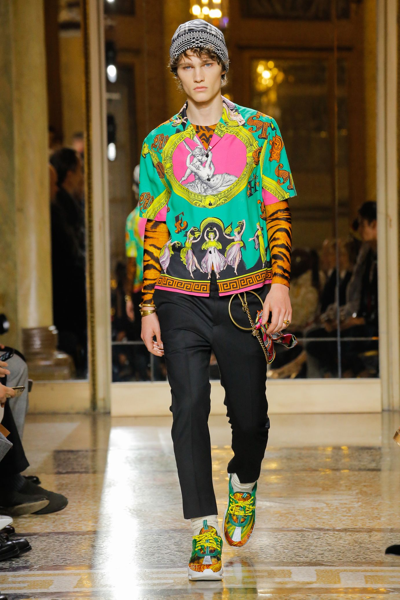 325cb0fc2675 Versace Fall Winter 2018-2019 31
