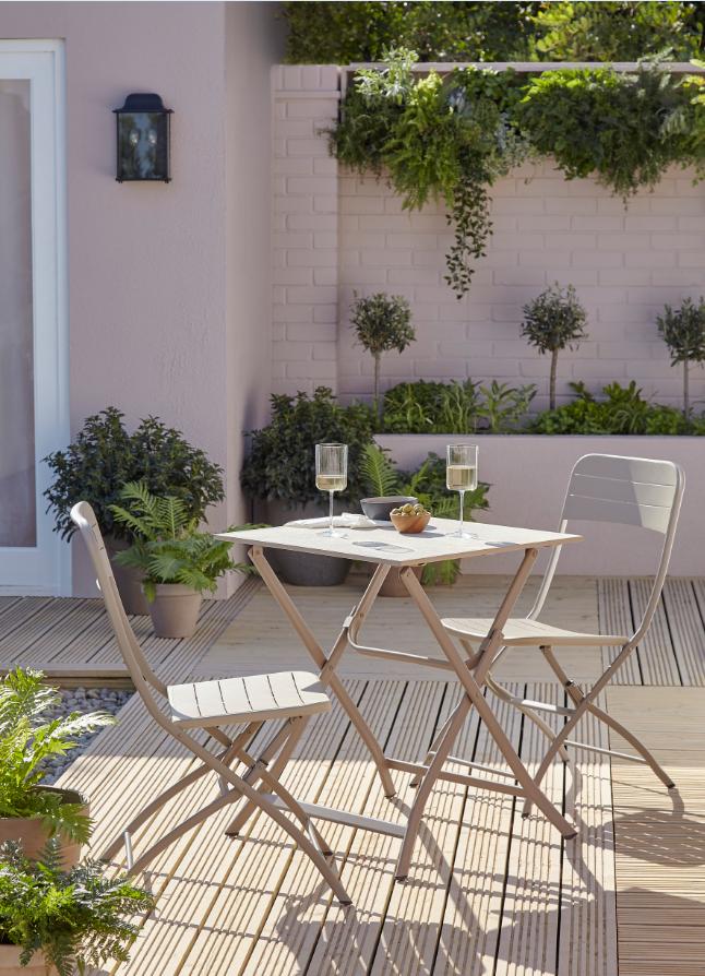 Table de jardin métal carrée Blooma Aronie sable 62,5 x 62,5 ...