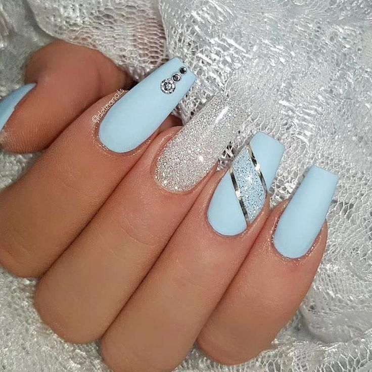 Ice Blue And Diamond Jet Set Beauty Nails Delizianails Ch Gelnails In 2020 Blue Glitter Nails Blue Acrylic Nails Blue Gel Nails