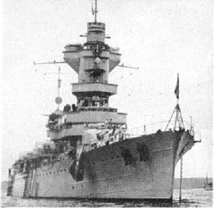 MNF Algérie - Incrociatore pesante classe unica - Entrata in servizio nel 1934 - Dislocamento 13900 ton. Dimensioni 180x20x6,1 m - Armamento 9 torrette da 203 - Velocità 32 nodi - Autoaffondata a Tolone il 27 Novembre 1942