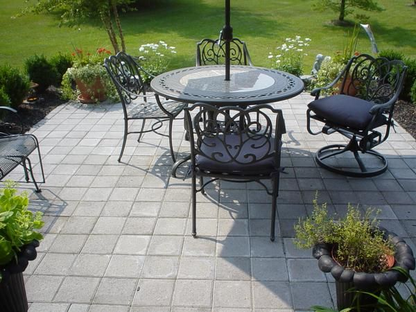 Traditional 8x8 Paver Patio For A Town House Outdoor Patio