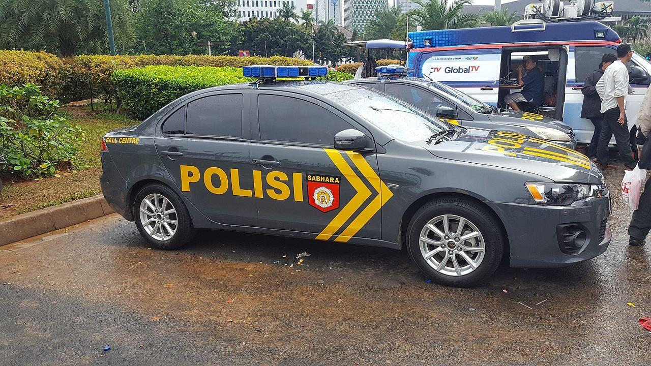 Gambar Mobil Indonesia Gambar Gambar Mobil Mobil Polisi Mobil Polisi