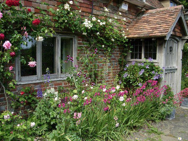 1000 Ideas About Cottage Gardens On Pinterest Gardening
