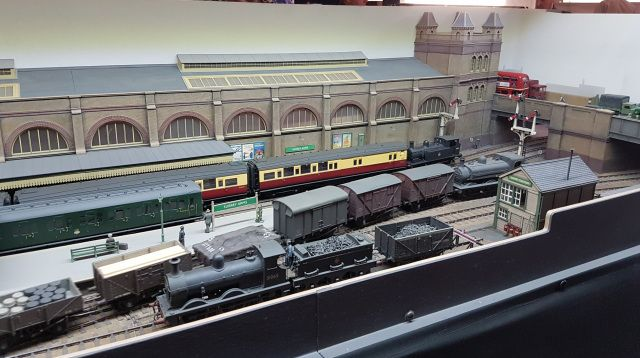 Not quite a Minories | Model train layouts, Model trains ...