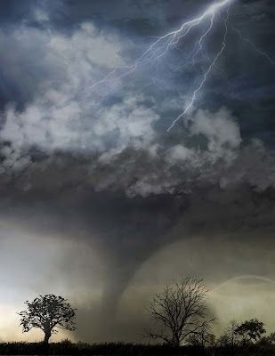 The Perfect Storm Cool Cloud Shapes Rainbow Lightning Tornado And The Trees Is This Real Nature Beautiful Nature Amazing Nature