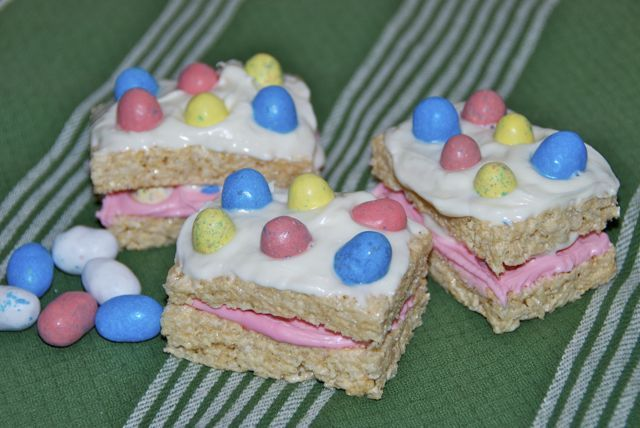 Robin's Egg Stuffed Rice Krispie Treats