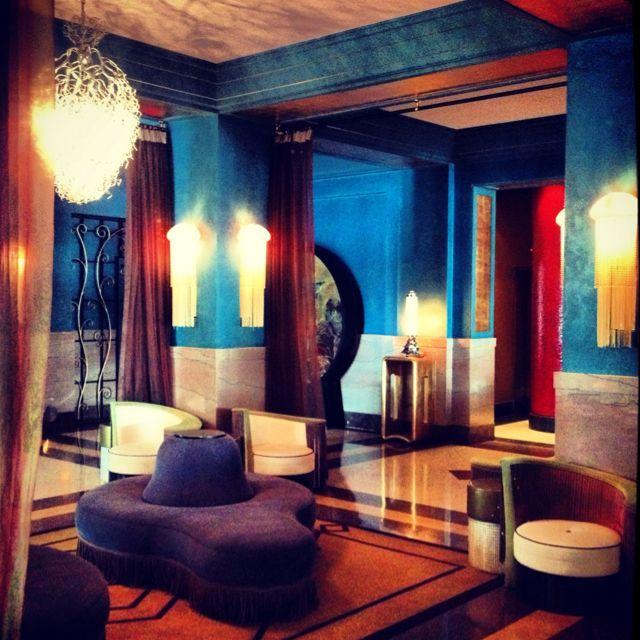 12 Art Deco Kitchen Designs And Furniture: Victor Hotel , Miami Beach. Art Deco Arch