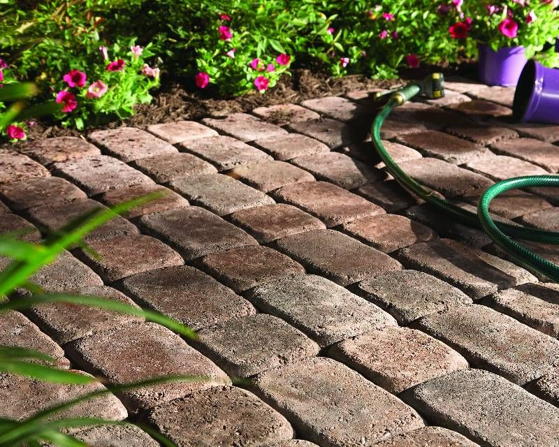 Thinking pavers? Check out our buying guide for everything you need to know before you get started. From types to uses to maintenance, you'll find it here.