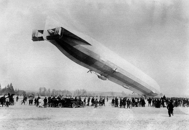 LZ16 (Z-IV)under the command of Oberleutnant Jacobi, which had strayed of course, due to bad weather, into French territory, coming down to land voluntarily at Luneville. Date: 14/03/1913