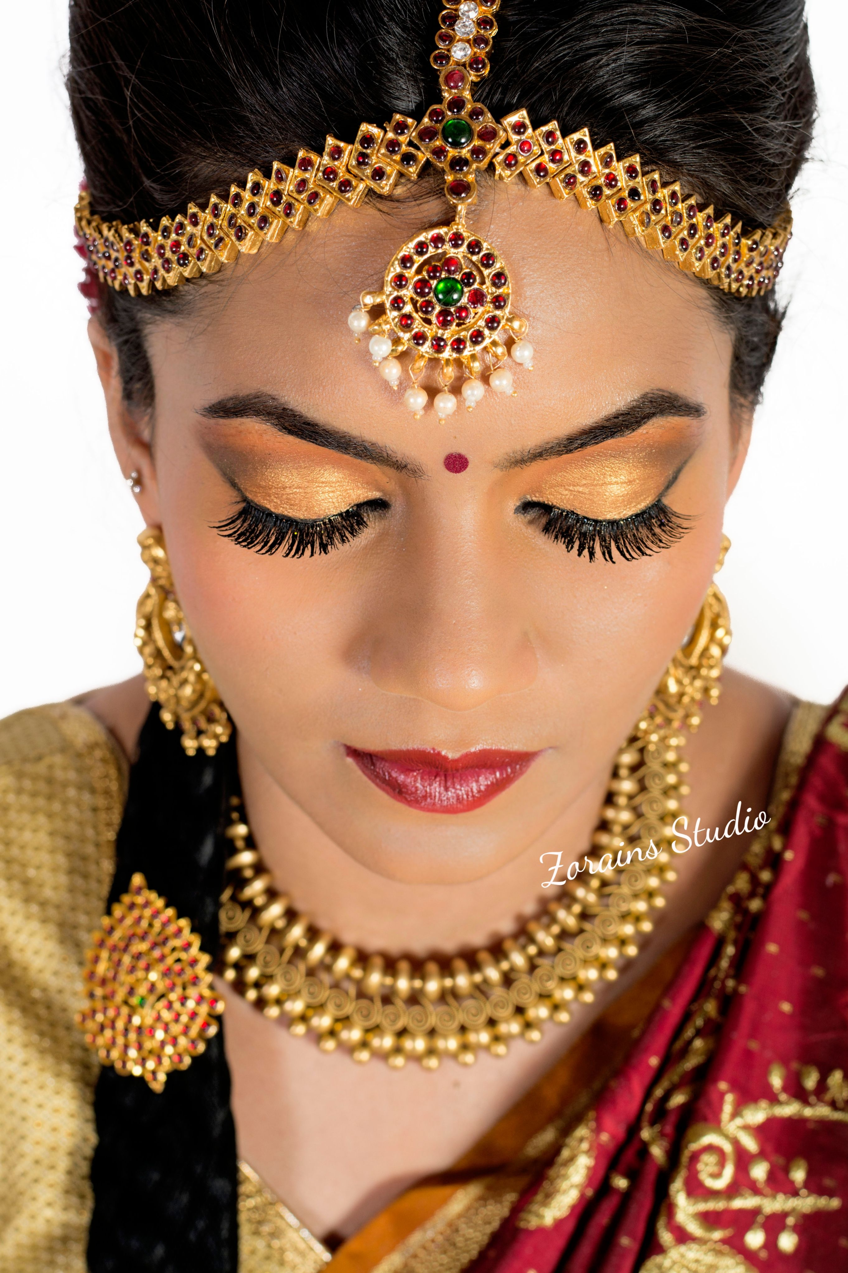 Gold Eye Makeup South Indian Bride Bride Beauty Indian Eye Makeup