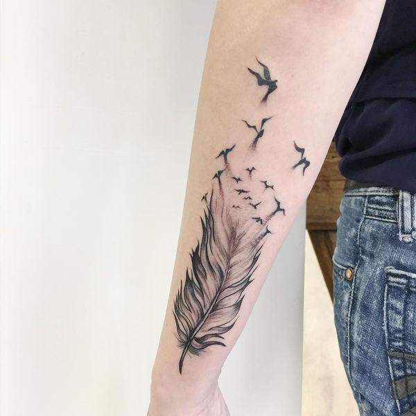 54 Feather Tattoo Design Ideas With Meanings April 2020