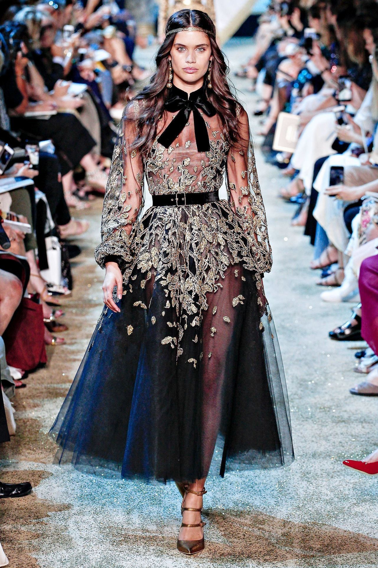 Sara Sampaio Elie Saab Fall 2017 Couture