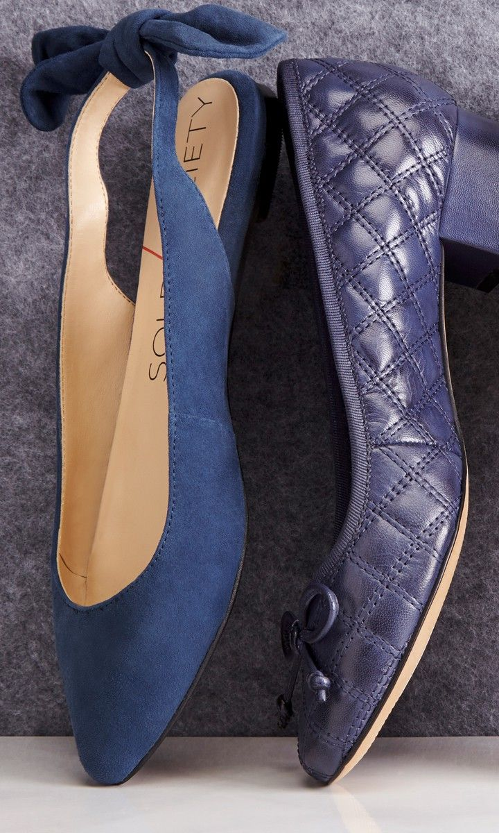 Slingback flat with a pointed toe and charming bow detail at back heel.