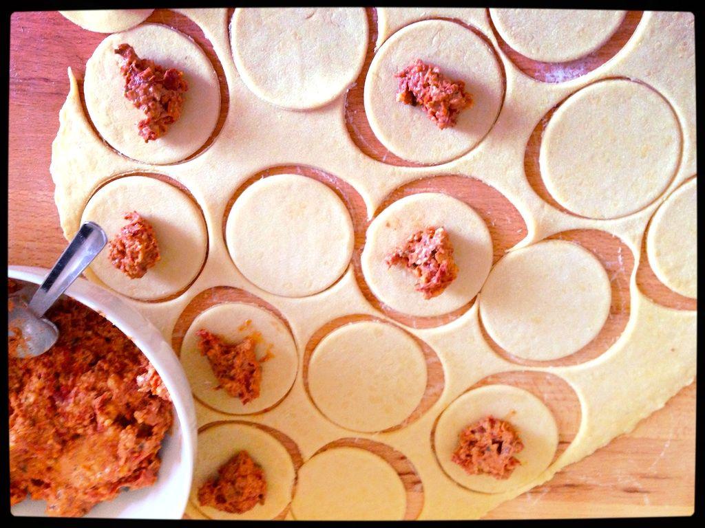 Ravioli mit Tomaten-Walnuss-Füllung, Variation