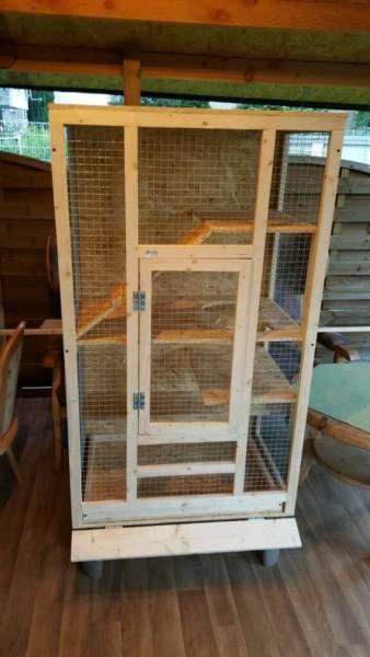 Zum Verkauf einen Käfig groß. 160cm /80cm/60cm. Ganz neu