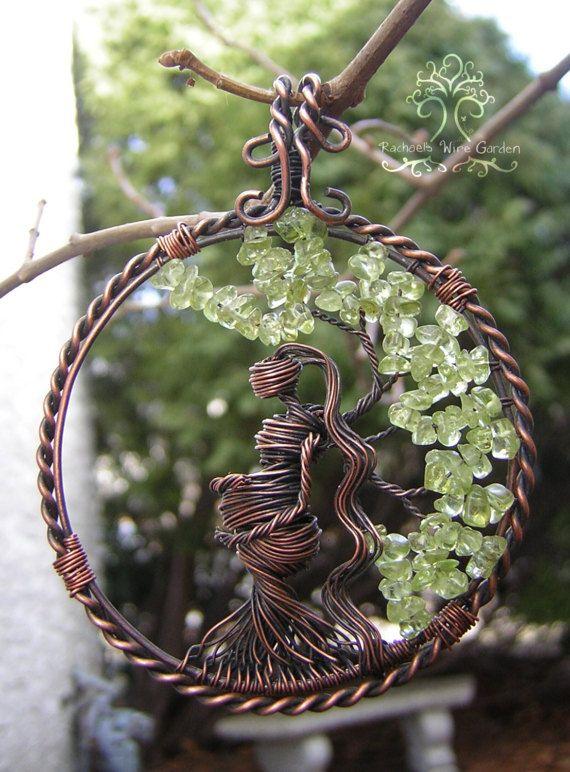 dbd1ba3d2b88 Embarazada esperando árbol de vida alambre envuelto colgante de ...
