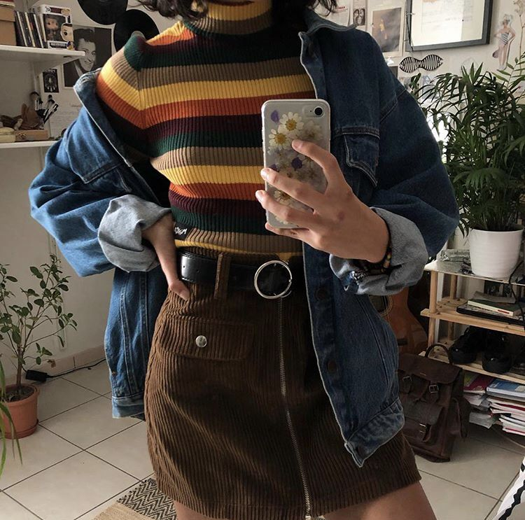 Aesthetic Aesthetictumblr Tumblr Outfits Fashion Fashionoutfits Tumblroutfit Vintage Vintagefashion Aesthetic Clothes Sweater Fashion Cool Outfits