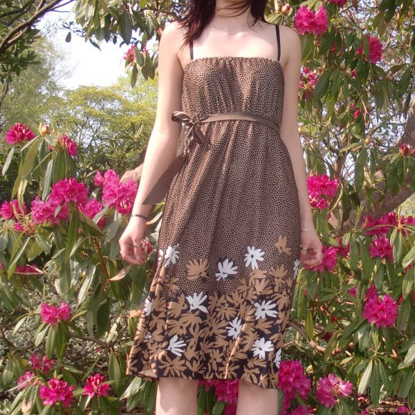 Chocolate Daisy Vintage Dress by Molly Rouge