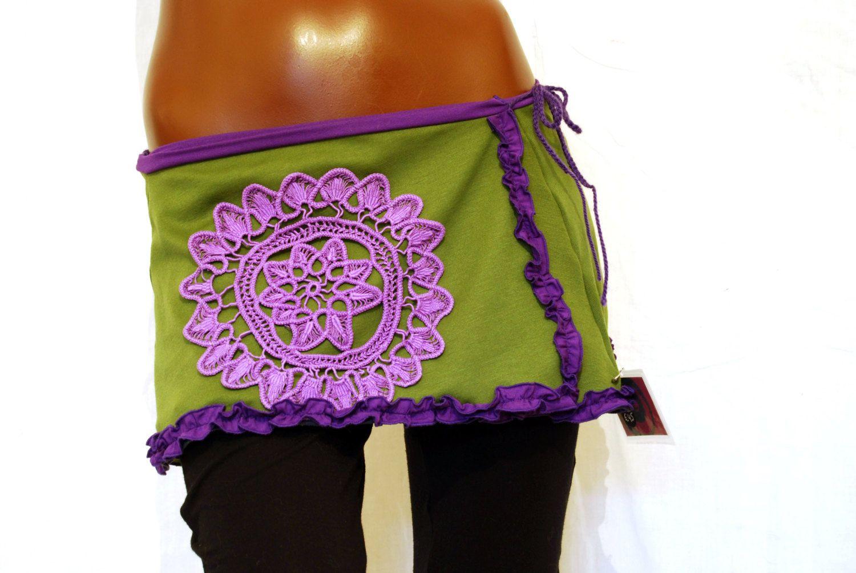 Psychedelic wrap skirt, flower festival tribal hippie mandala OOAK de PinkyPurpleTree en Etsy https://www.etsy.com/es/listing/180886276/psychedelic-wrap-skirt-flower-festival
