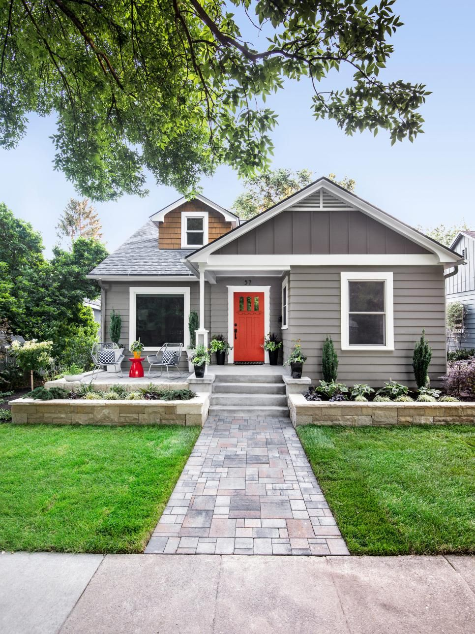 Copy These Curb Appeal Ideas From Greenville South Carolina Hgtv Home Exterior Makeover House Exterior House Paint Exterior