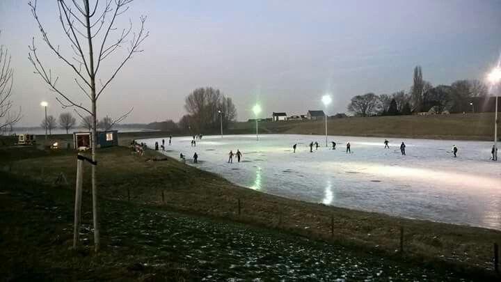 Schaatsen in Rijnwaarden