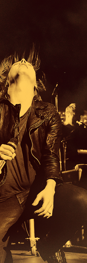 Gerard Way ~ My Chemical Romance <3